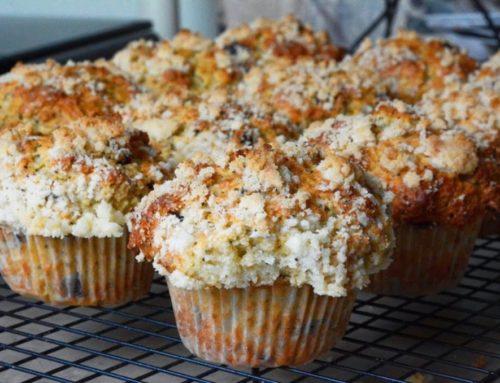 Fresh lemon poppyseed crumble muffins – by Katherine Chong
