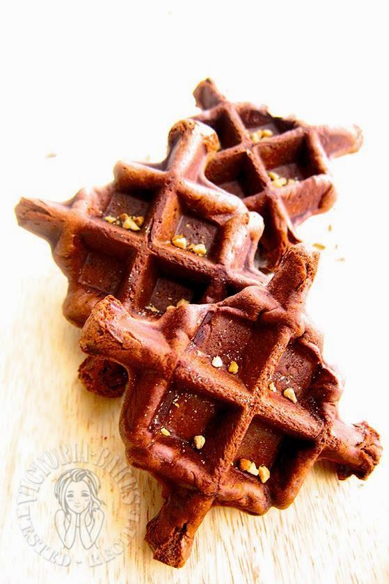 chocolate peanut brussels waffles 花生巧克力布鲁华夫 – by Victoria Moon Kua