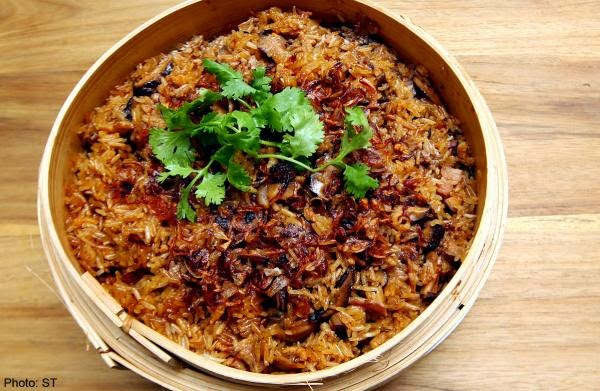 Glutinous rice with bacon